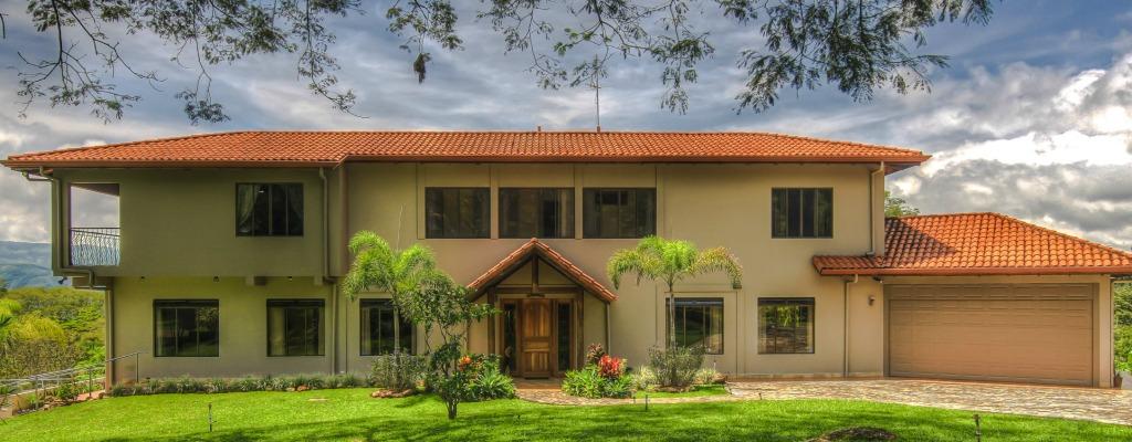 Villa Doughty Front