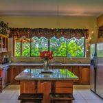 Villa Doughty Kitchen&BackGardenView